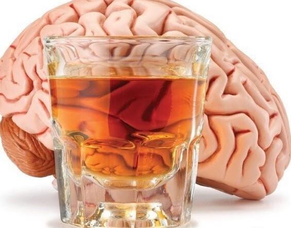 Болит голова после алкоголя причины