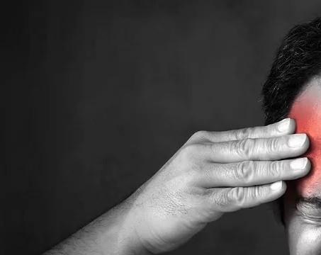 Опасна ли головная боль в области висков, что делать?