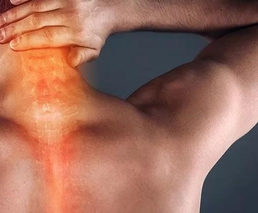 Болит затылок и кружится голова: причины
