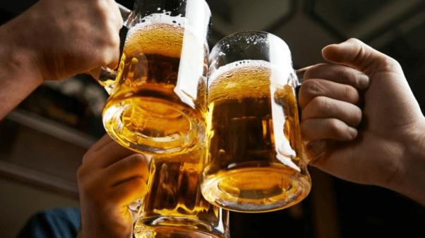 Болит голова после алкоголя: что делать, что выпить с похмелья от головы