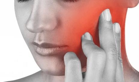 Что делать если болит голова и челюсть