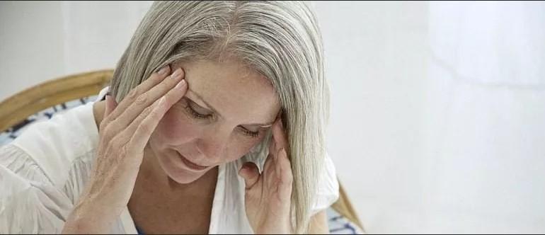 Почему когда идут месячные болит голова 7